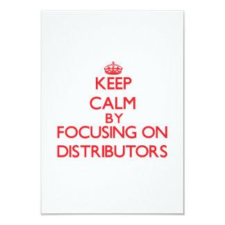 Guarde la calma centrándose en distribuidores invitación 8,9 x 12,7 cm