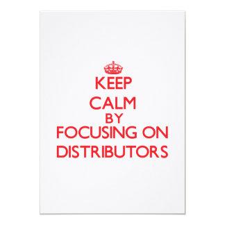 Guarde la calma centrándose en distribuidores invitación 12,7 x 17,8 cm