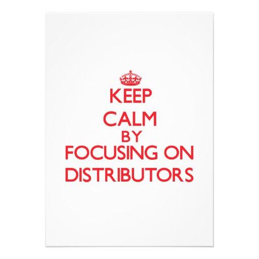 Guarde la calma centrándose en distribuidores invitacion personalizada