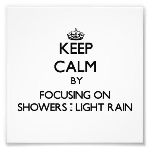 Guarde la calma centrándose en duchas - lluvia lig fotos