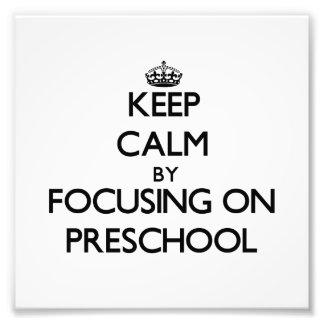 Guarde la calma centrándose en el preescolar