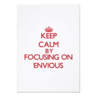 Guarde la calma centrándose en ENVIDIOSO Invitación 12,7 X 17,8 Cm