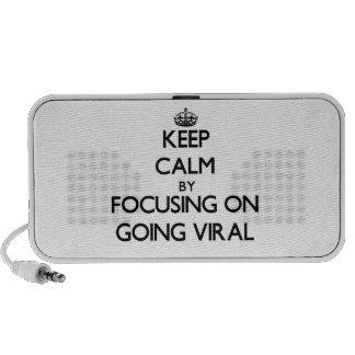 Guarde la calma centrándose en ir viral mini altavoces