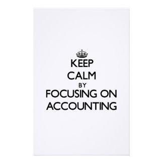 Guarde la calma centrándose en la contabilidad papelería