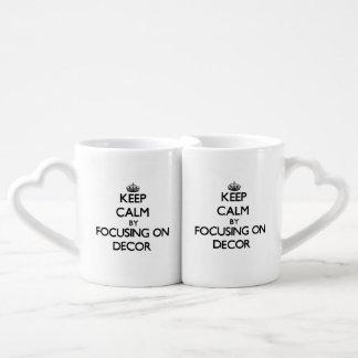 Guarde la calma centrándose en la decoración tazas amorosas