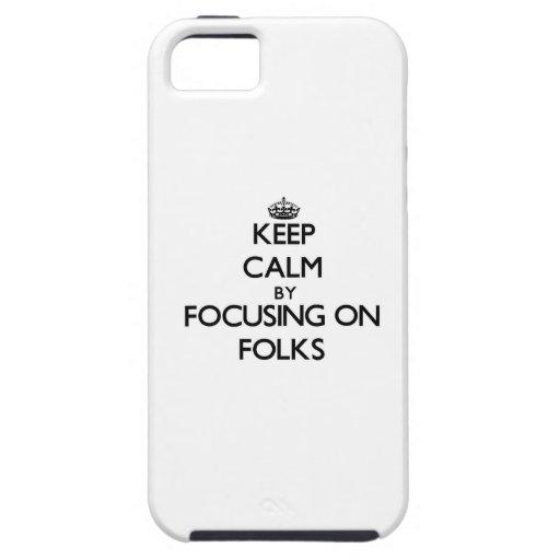 Guarde la calma centrándose en la gente iPhone 5 coberturas