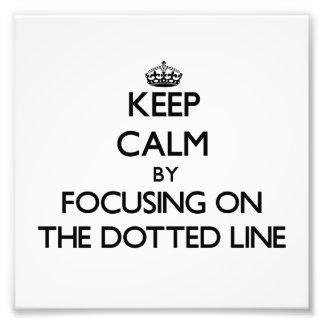 Guarde la calma centrándose en la línea de puntos