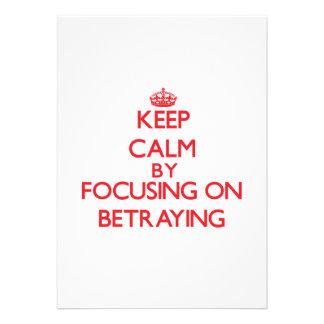 Guarde la calma centrándose en la traición invitación