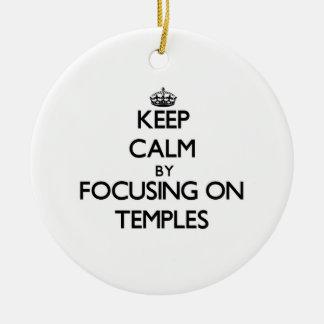 Guarde la calma centrándose en los templos ornamento para reyes magos