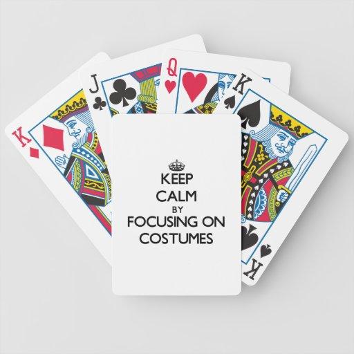 Guarde la calma centrándose en los trajes baraja cartas de poker