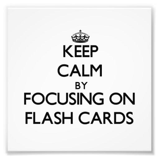 Guarde la calma centrándose en tarjetas flash cojinete