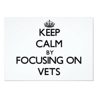 Guarde la calma centrándose en veterinarios invitación 12,7 x 17,8 cm