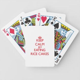 Guarde la calma comiendo las tortas de arroz baraja de cartas