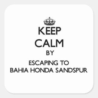 Guarde la calma escapándose a Bahía Honda Sandspur Calcomanías Cuadradases
