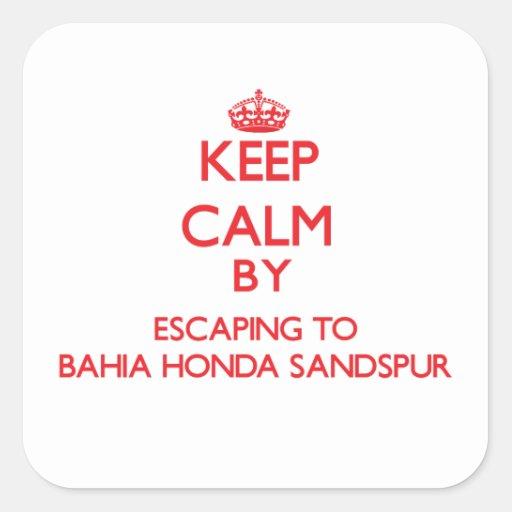 Guarde la calma escapándose a Bahía Honda Sandspur Calcomanía Cuadrada