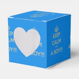 Guarde la calma que es un muchacho caja para regalo de boda
