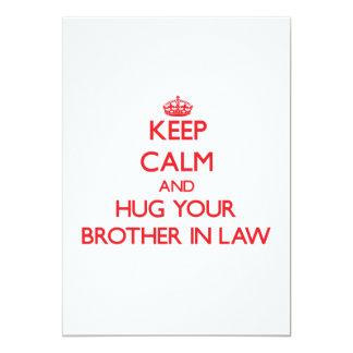 Guarde la calma y ABRACE a su cuñado Invitación 12,7 X 17,8 Cm