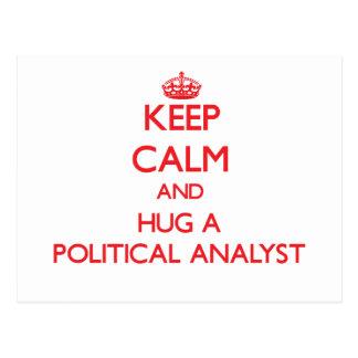 Guarde la calma y abrace a un analista político postal