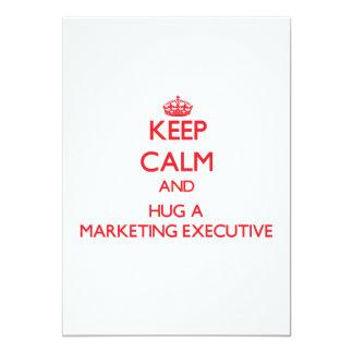 Guarde la calma y abrace a un ejecutivo de invitación