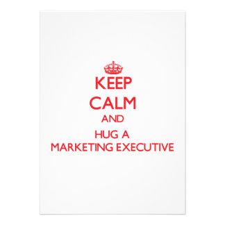 Guarde la calma y abrace a un ejecutivo de marketi invitación