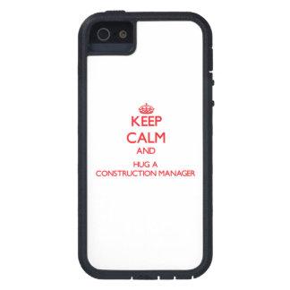 Guarde la calma y abrace a un encargado de la cons iPhone 5 Case-Mate carcasa