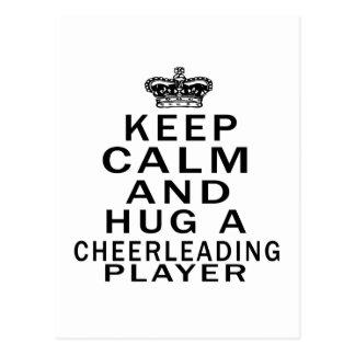 Guarde la calma y abrace a un jugador que anima postal
