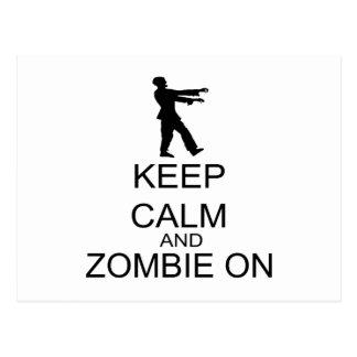 Guarde la calma y al zombi encendido postal