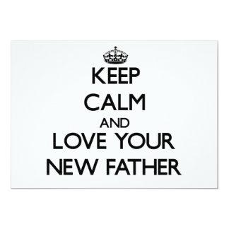 Guarde la calma y ame a su nuevo padre invitación 12,7 x 17,8 cm