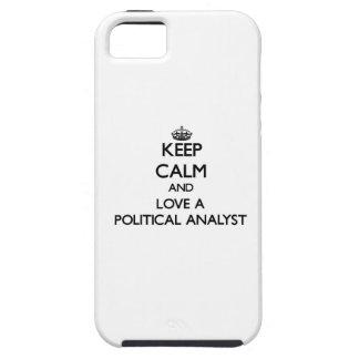 Guarde la calma y ame a un analista político iPhone 5 Case-Mate fundas