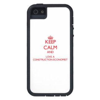 Guarde la calma y ame a un economista de la constr iPhone 5 Case-Mate protectores