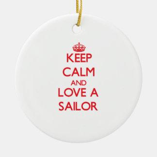 Guarde la calma y ame a un marinero adorno para reyes