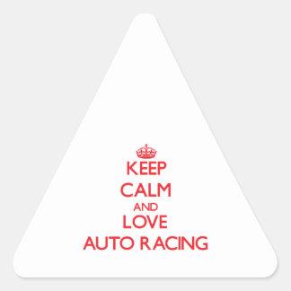 Guarde la calma y ame competir con auto calcomanías trianguloes