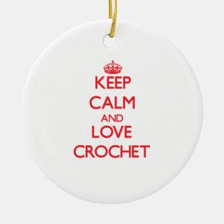 Guarde la calma y ame el ganchillo ornamento para arbol de navidad