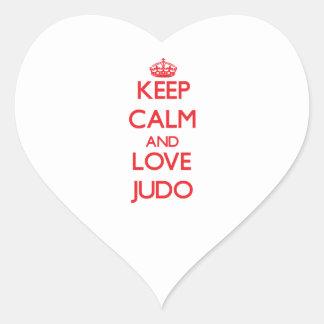 Guarde la calma y ame el judo pegatina de corazon