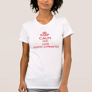Guarde la calma y ame la gimnasia artística camisetas