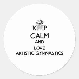 Guarde la calma y ame la gimnasia artística pegatina redonda