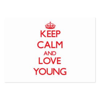 Guarde la calma y ame los jóvenes plantilla de tarjeta personal
