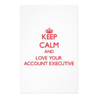 Guarde la calma y ame su ejecutivo de cuenta papeleria de diseño