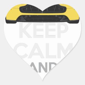 Guarde la calma y condúzcala - bacalao. pegatina en forma de corazón