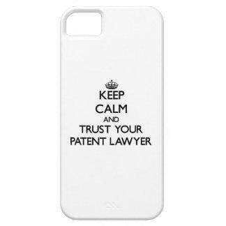 Guarde la calma y confíe en a su abogado patentado iPhone 5 funda