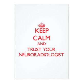 Guarde la calma y confíe en a su neuroradiólogo invitacion personalizada