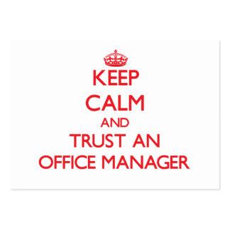Guarde la calma y confíe en a un administrador de  tarjetas de visita grandes