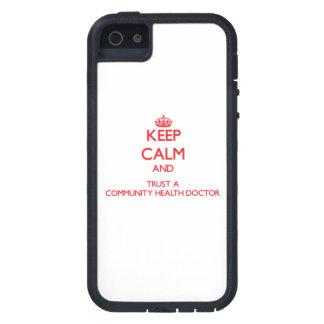 Guarde la calma y confíe en a un doctor de la salu iPhone 5 carcasa