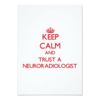 Guarde la calma y confíe en a un neuroradiólogo invitaciones personales