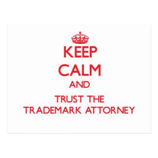 Guarde la calma y confíe en al abogado de la marca postal