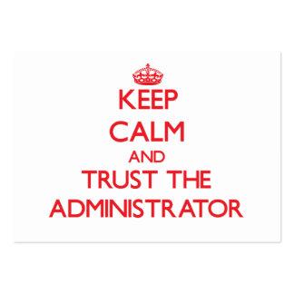 Guarde la calma y confíe en al administrador tarjeta personal