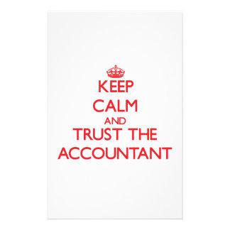 Guarde la calma y confíe en al contable papelería de diseño