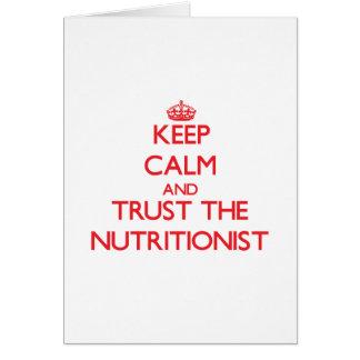 Guarde la calma y confíe en al nutricionista felicitación