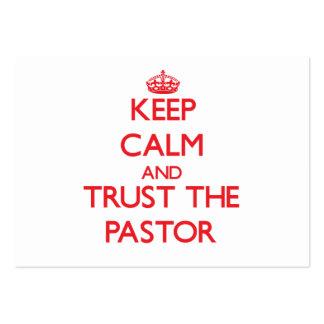 Guarde la calma y confíe en al pastor tarjetas de visita grandes