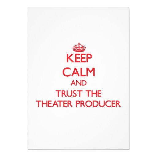 Guarde la calma y confíe en al productor del teatr invitaciones personalizada